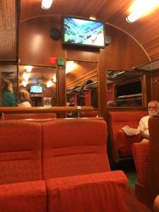 Koselig, gammeldags tog som bragte meg dit jeg ønsket i stemningsleiet; Nostalgisk og nasjonalromantisk